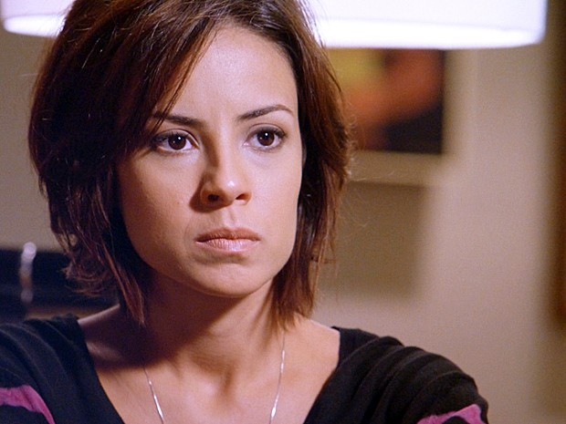 Maria Clara afirma que não vai trair o pai (Foto: TV Globo)