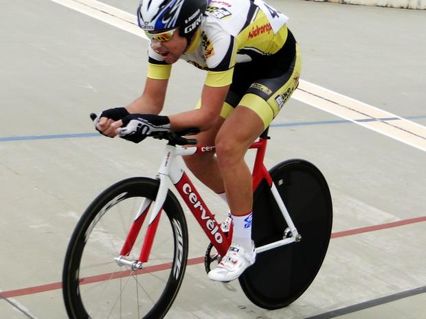 Eduardo Euzébio, de 18 anos, foi campeão brasileiro júnior de pista (Foto: Confederação Brasileira de Ciclismo/ Divulgação)