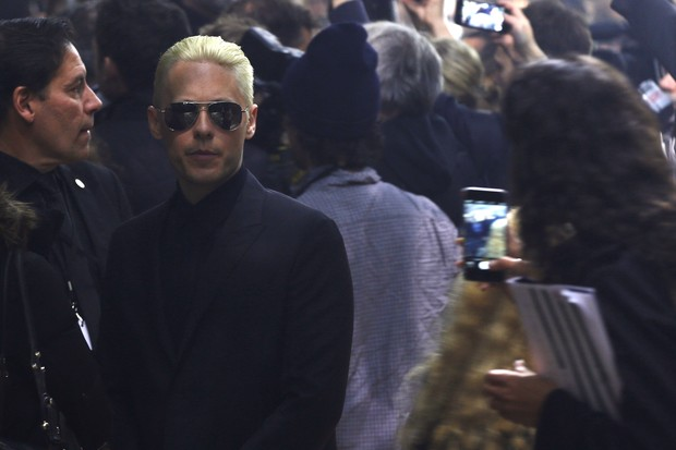 Jared Leto vai ao desfile da Lanvin, em Paris (Foto: AFP)