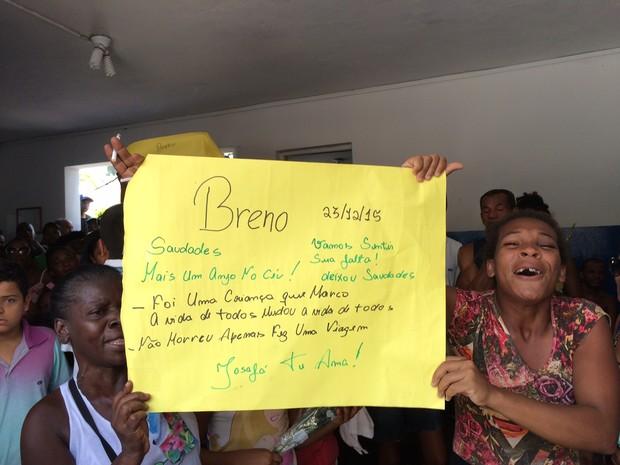 Parentes de Breno, uma das vítimas, afirma que ele não estava envolvido com o crime  (Foto: Henrique Coelho / G1)