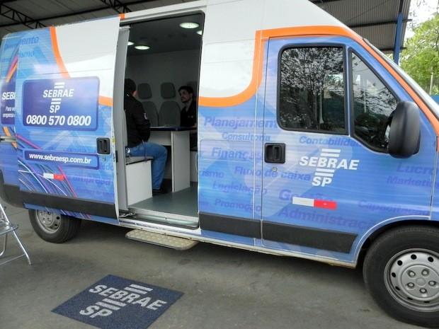 Veículo do Sebrae atende empreendedores em São Pedro (Foto: Priscila Fantato/Prefeitura de São Pedro)
