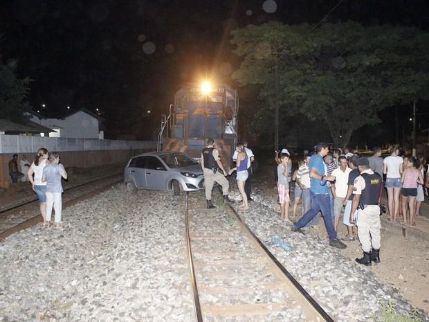 Acidente locomotiva Bambuí (Foto: TV Bambuí/Divulgação)