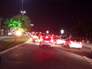 Blitz foi realizada na Avenida Engenheiro Roberto Freire (Foto: Divulgação/Polícia Militar do RN)