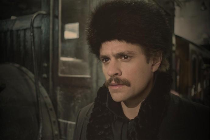 Alejandro Claveaux vive o ator Rodolfo em 'Nada Será Como Antes' (Foto: Globo/Estevam Avellar)