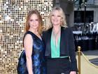 Kate Moss usa look decotado em première na Inglaterra