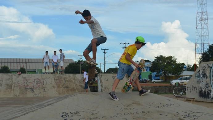 Skatistas de Ariquemes buscam melhorias para pista da cidade (Foto: Franciele do Vale)