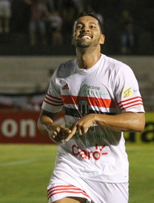 André Santos, meia do Botafogo-SP (Foto: Rogério Moroti/Ag. Botafogo)