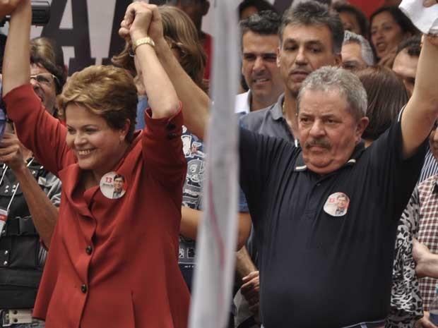 Dilma Rousseff e Lula durante comício do PT em Campinas (Foto: Lana Torres / G1)