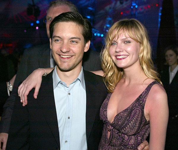 Kirsten Dunst e Tobey Maguire na premiere de 'Homem-Aranha' (2002) (Foto: Getty Images)