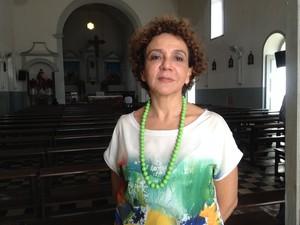 Dorotéia de Lima fez avaliação da estrutura da Igreja São José (Foto: Fabiana Figueiredo/G1)