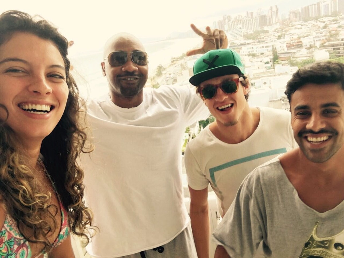 Gabriel Chadan destaca incentivo de MV Bill para seguir carreira musical - Globo.com