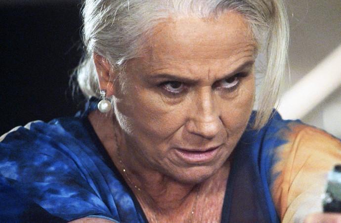 Mág aponta arma para Fausto (Foto: TV Globo)