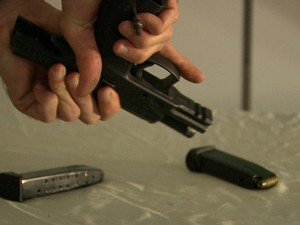 Arma (Foto: Reprodução/ TV Asa Branca)