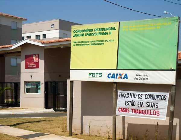 Entrega dos apartamentos do wmpreendimento Varandas estava previsto para o ano passado (Foto: Gisele Souza)