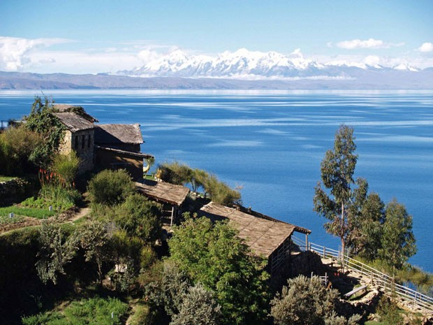 top10_lagos_altos_19 (Foto: Rico Vicab / http://en.wikipedia.org/wiki/File:Lake_Titicaca_on_the_Andes_from_Bolivia.jpg)