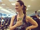 Carolina Kasting não dispensa exercícios durante a gravidez