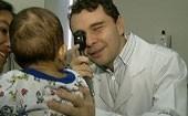 Transplante de duas córneas é feito em bebê (Reprodução)