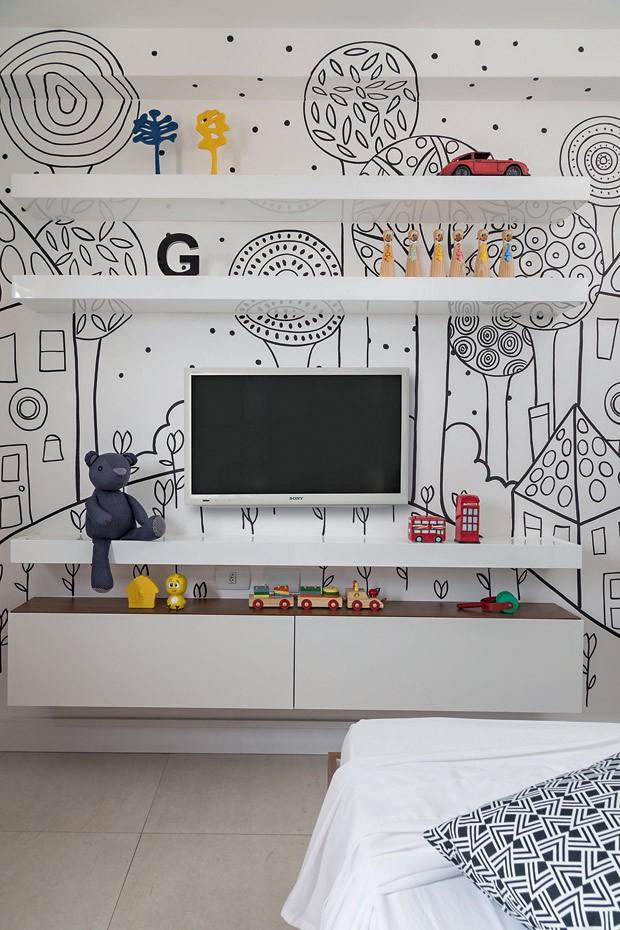 Estampa | O desenho inspirado em livros infantis foi executado pelo artista plástico Suel, de Maceió. Marcenaria desenhada pelos arquitetos e executada pela Art Móveis (Foto: Projeto Sertões/Divulgação)