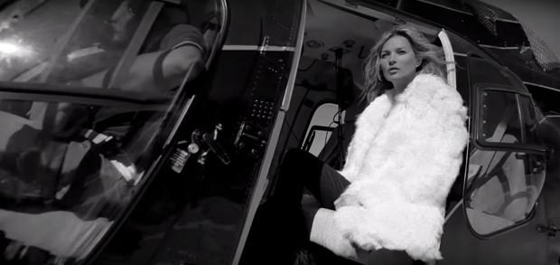 Kate Moss em campanha da Saint Laurent (Foto: Reprodução/Instagram)