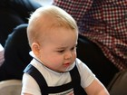 Macaquinho azul de príncipe George é look favorito dos leitores