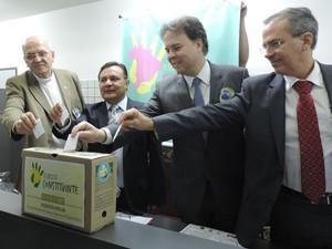 Representantes das entidades envolvidas na Campanha Vote Limpo (Foto: Moema França/ G1)