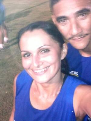 Casal treinando para uma das partidas do Campeonato Roraimense de Futebol (Foto: Arquivo Pessoal)