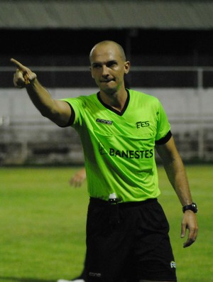 Dyorgines Padovani, árbitro capixaba da CBF (Foto: Henrique Montovanelli/Desportiva Ferroviária)