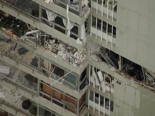 Explosão afetou pelo menos nove apartamentos em São Conrado (Foto: Reprodução/TV Globo)