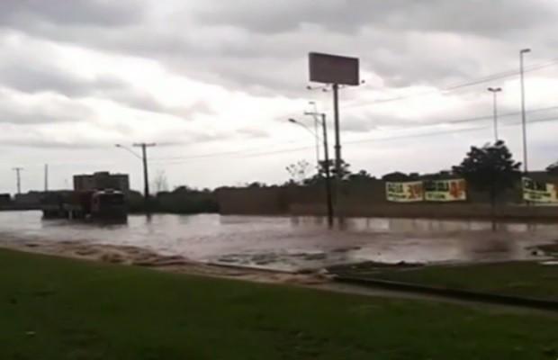 Chuva inunda condomínio fechado em Valparaíso de Goiás