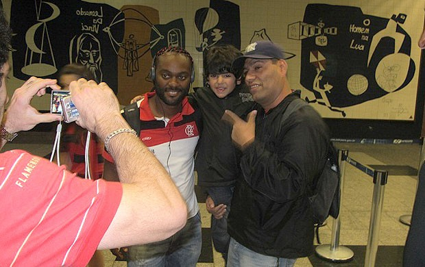 Love, Flamengo, Desembarque (Foto: Richard Souza / Globoesporte.com)