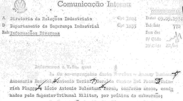 Comunicado Interno da Volkswagen do Brasil de 1974 relata a condenação de ex-funcionarios (Foto: Reprodução)