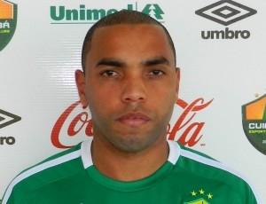 Thiago dos Santos, meia do CSA (Foto: Divulgação/Cuiabá)