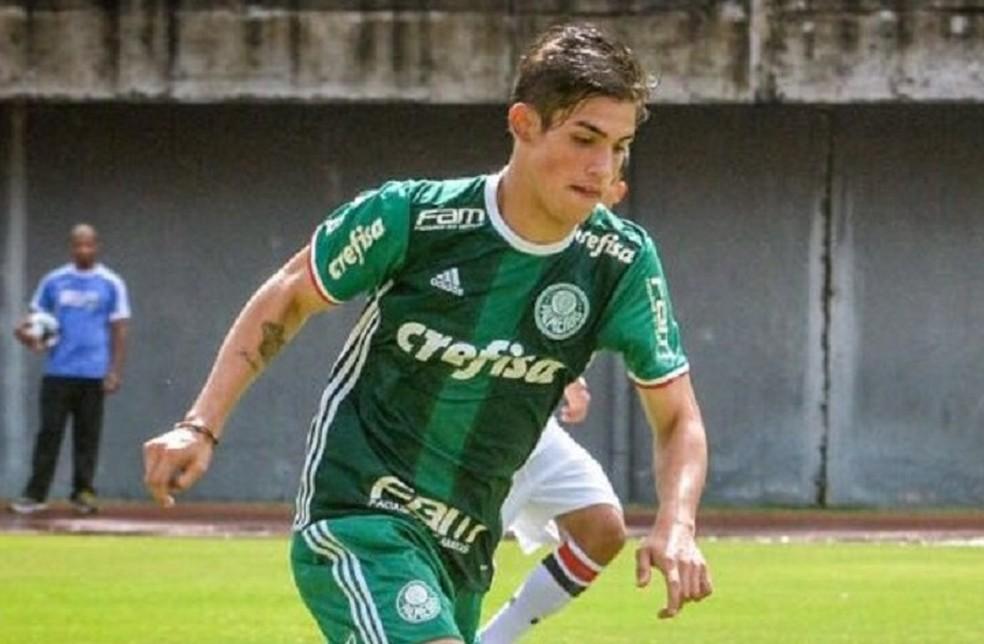 Atacante Aníbal, do time sub-17, fez seis gols no jogo deste sábado (Foto: Divulgação)