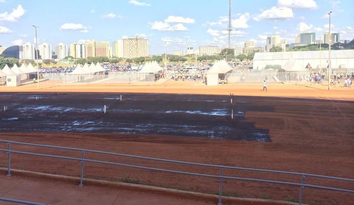 Entorno Estádio Mané Garrincha (Foto: Fabrício Marques)