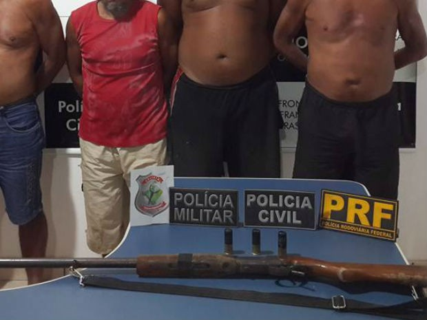 Grupo é suspeito de assaltar embarcações no Rio Oiapoque (Foto: DIvulgação/ Polícia Civil)