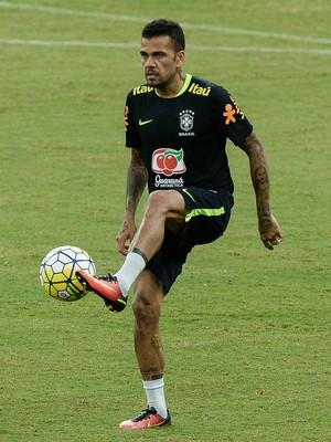 daniel alves treino seleção brasileira manaus (Foto: Pedro Martins / MoWA Press)