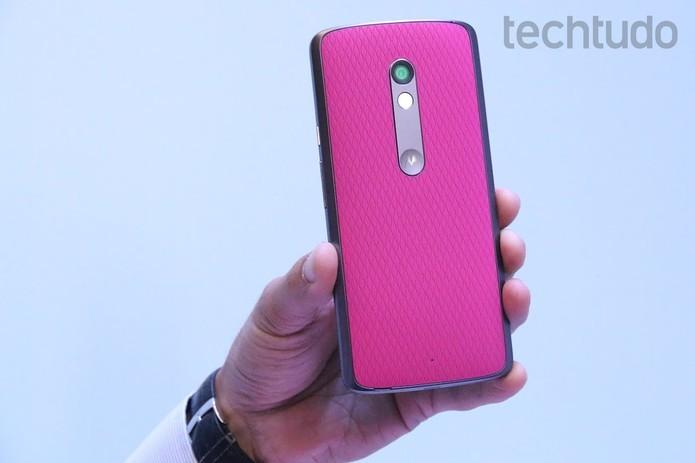 Moto X Play tem opções de capinhas coloridas (Foto: Nicolly Vimercate/TechTudo)