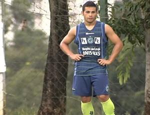 Bruno Collaço, novo lateral-esquerdo do Goiás (Foto: Reprodução/TV Anhanguera)