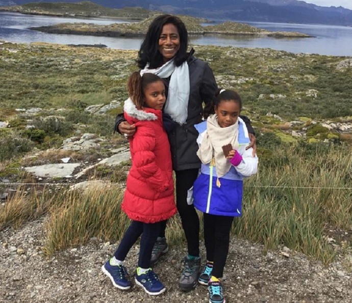 Ela e as meninas adoram viajar! (Foto: TV Globo)