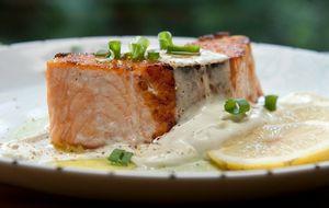 Receita de salmão grelhado com chantilly de wasabi