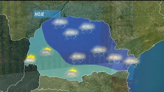 Cidades tentam retomar rotina após chuva nos Campos Gerais e no norte