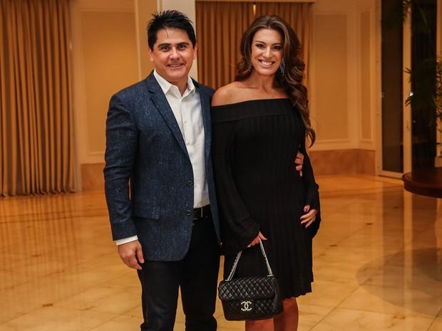 César Filho e Elaine Mickely em festa em São Paulo (Foto: Manuela Scarpa/ Foto Rio News)