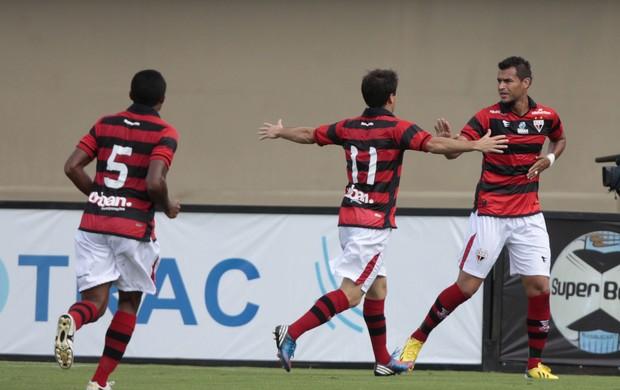 Atlético-GO x Vila Nova, Goianão, 2013, Pipico, Ricardo Jesus (Foto: Cristiano Borges/O Popular)