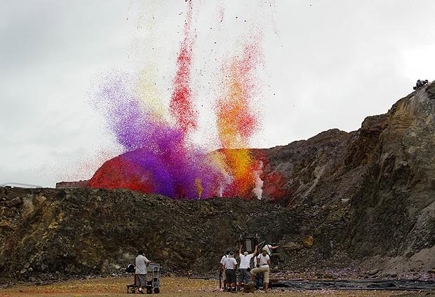 Os bastidores da erupção (Foto: Nick Meek )