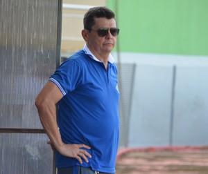 Técnico Gilmar Sales, do Atlético-AC (Foto: Quésia Melo)
