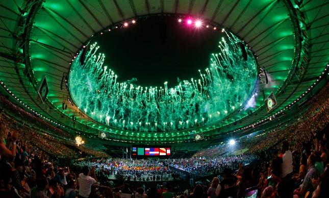 Maracanã na noite de encerramento da Paralimpíada do Rio