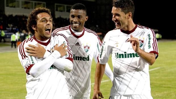 Wellington Nem comemora gol do Fluminense contra o Huachipato (Foto: Victor Ruiz / AP)