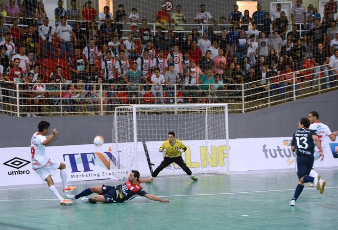 Guarapuava Joinville Liga Nacional de Futsal (Foto: Márcio Nei/Divulgação)