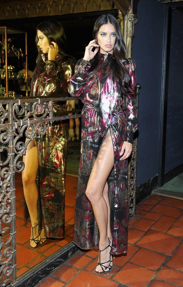 Adriana Lima em festa em Los Angeles, nos Estados Unidos (Foto: Donato Sardella/ Getty Images )