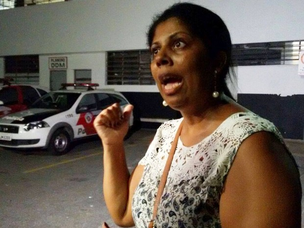 Renata Brindo dos Santos, mãe do estudante (Foto: Isabela Oliveira / G1)